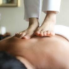 masaje con los pies oriental - Tania Escala - Terapias Naturales